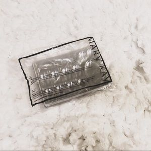 $3 OR FREE W/ PURCHASE MK Makeup Trays ➰